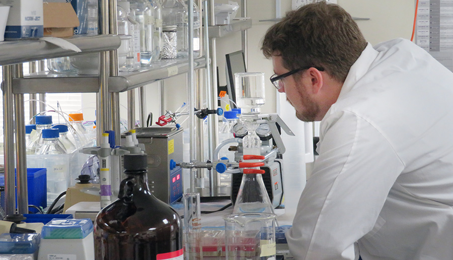 Ichor employee and ESF doctoral student Kris Grohn in the lab.